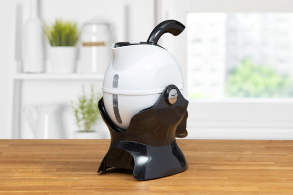 3 quarter turn view of the black and white Uccello Kettle