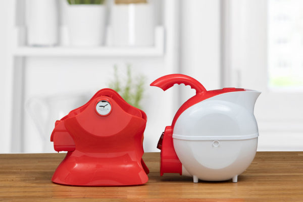 Red and White Uccello Kettle Base and Body Side View