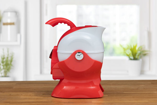 Size View of the Red and White Uccello Kettle